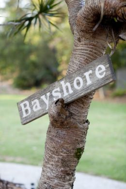 bayshore bungalow byron bay sign